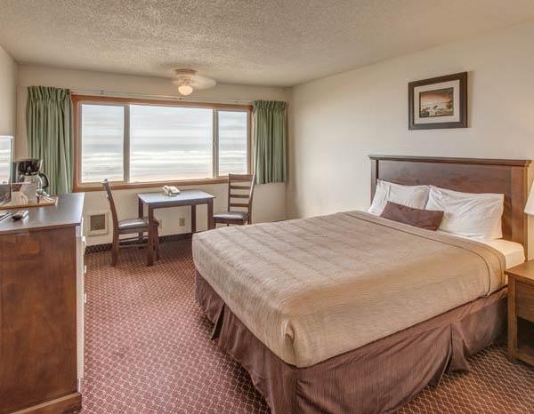 Oregon Coast Hotels - Rockaway Beach
