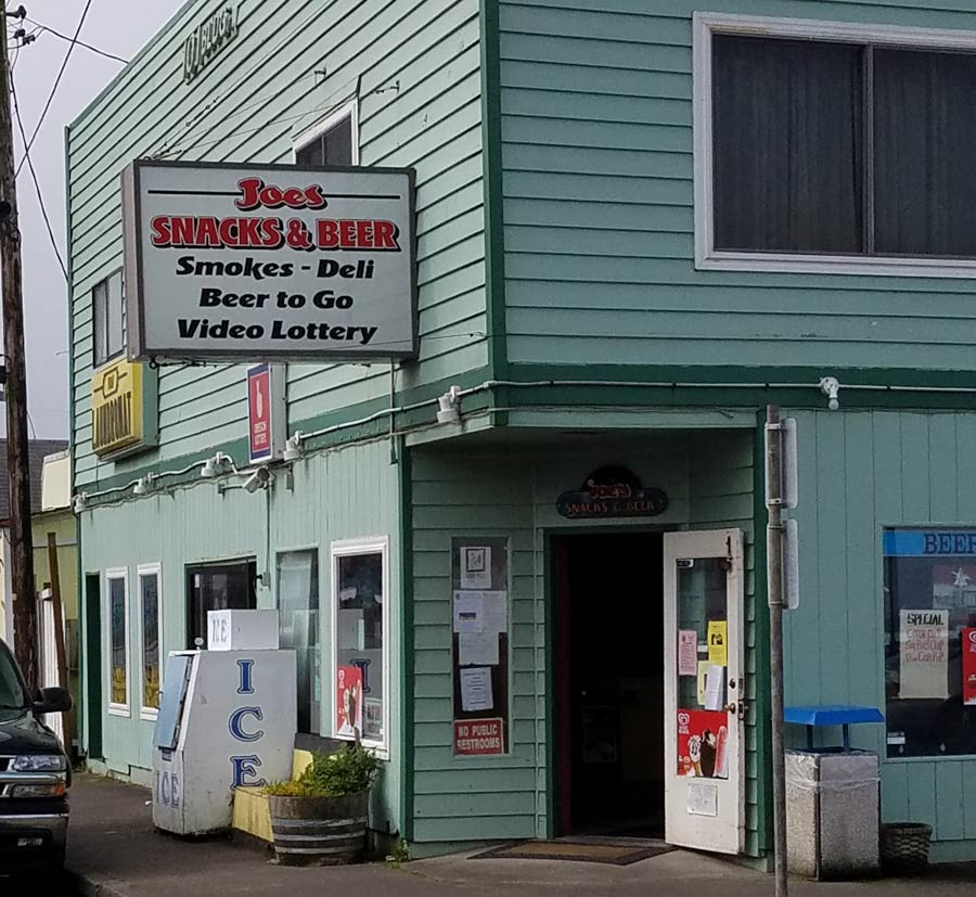 Joe's Snacks & Beer, Rockaway Beach, Oregon